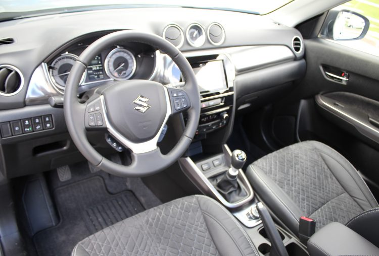 Suzuki Vitara Hybrid GLX 4WD 6MT